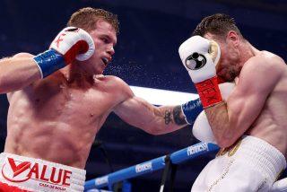 Boxeo: El mexicano 'Canelo' Álvarez destrona al invicto Callum Smith y se corona campeón del peso supermediano