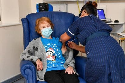 La vacuna de Pfizer provoca dos reacciones en Reino Unido y ya la desaconsejan para alérgicos