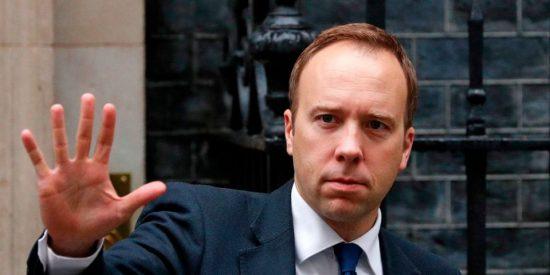 """Matt Hancock, secretario de Salud británico: """"La nueva cepa del coronavirus está fuera de control"""""""