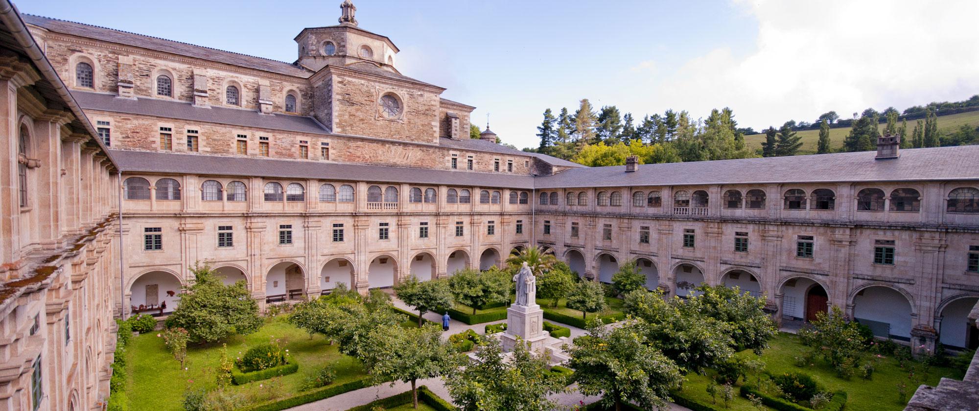 En el Camino de Santiago, San Julián de Samos: un monasterio que nace cuando los suevos poblaban Galicia
