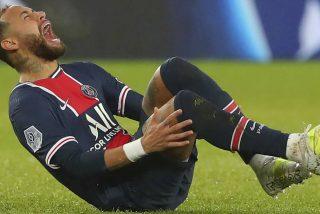 Neymar: una bestial entrada rompe al cráck y sale del campo en camilla y llorando desconsoladamente
