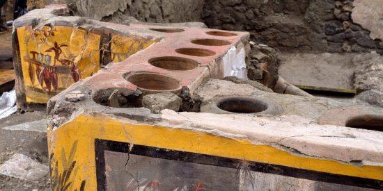 Pompeya: descubren entre las ruinas un restaurante 'fast-food' donde aún hay restos de comida romana