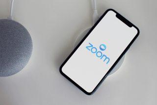 Todas las cuentas de Zoom tendrá transcripción automática a partir de otoño