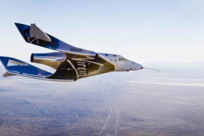 Virgin Galactic investiga un fallo del cohete de su avión espacial