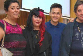 La noticia que sí necesitaba 2020: la hija de los 'rojos' Almudena Grandes y Luis García Montero sale falangista