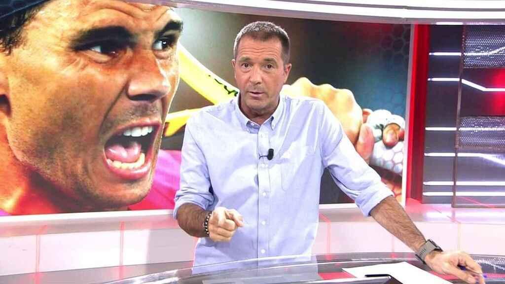 Estupor en Cuatro por la increíble maniobra de Vasile para 'cargarse' a Manu Carreño