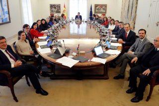 Despilfarro: 12 de los 22 ministros de Pedro Sánchez residen en viviendas oficiales 'gratis total'