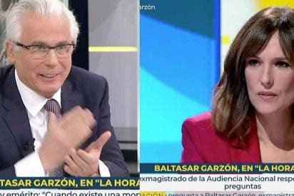 Tremendo: Baltasar Garzón defiende en TVE a su 'amiga íntima' Dolores Delgado entre las risotadas de Mónica López