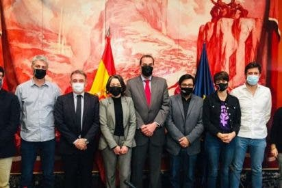 Podemos se reúne a 'escondidas' en el Congreso con el nuevo embajador del tirano Maduro