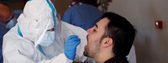 El test que puede cambiarlo todo: 15 minutos y la saliva, suficientes para saber si se tiene COVID