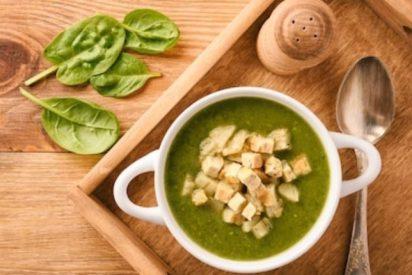 Sopa de espinacas fácil