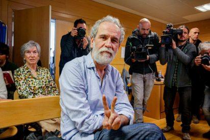 """Willy Toledo llama """"idiota y corrupta"""" a Díaz Ayuso y recibe un palo inesperado"""