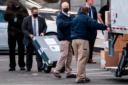 Las imágenes que sacuden a EEUU: un camión de mudanzas frente a la Casa Blanca