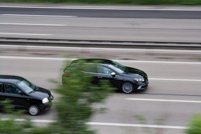 DGT: hasta 600 € de multa y puntos por superar en más de 20 km/h la velocidad para adelantar