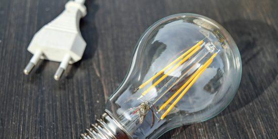 Físicos diseñan un modelo que permitirá viajar más rápido que la luz