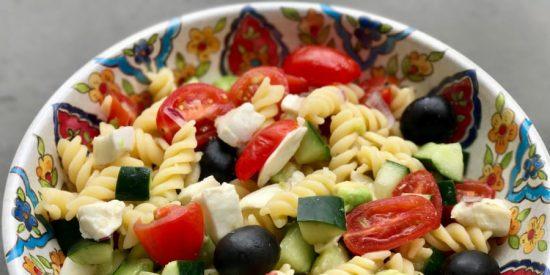 Receta: ensalada de pasta con aceitunas y atún