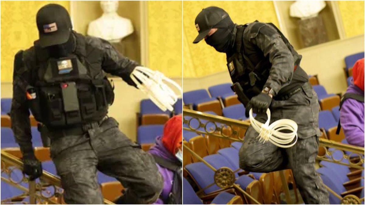 El FBI arresta al hombre que asaltó el Capitolio vestido con uniforme militar y esposas plásticas