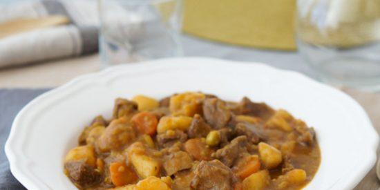 Receta: ternera estofada al vino blanco con patatas fritas