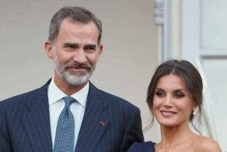 El rey Felipe VI y la reina Letizia cobrarán menos que Pablo Iglesias e Irene Montero durante 2021