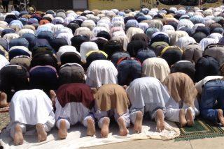 España confinada, familias separadas y un funeral en una mezquita de Tarragona reúne a 700 personas