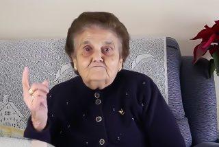 Esta es 'La Rosario', la abuela que reparte palos a los youtubers en defensa de Extremadura