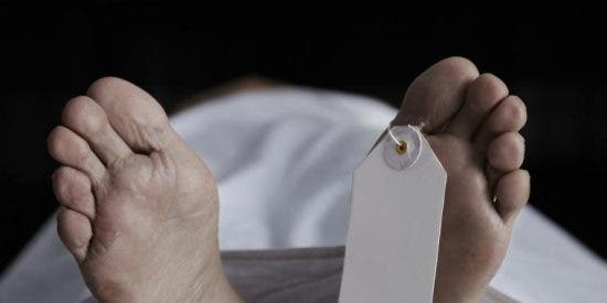 Encuentran bajo un montón de nieve el cadáver de un hombre en una calle de Madrid