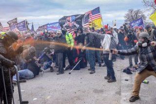 EEUU: al menos 135 detenidos y más de 400 identificados por el asalto al Capitolio