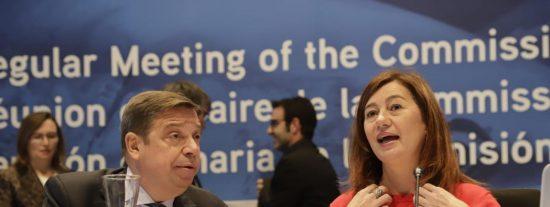 El ministro Planas acudió en Baleares a dos ágapes que cuatriplicaron el límite de los comensales permitidos
