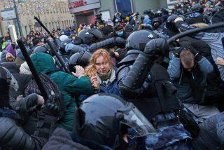 A pesar de la brutal represión y más de 3.000 detenciones, los manifestantes opositores plantan cara a Putin
