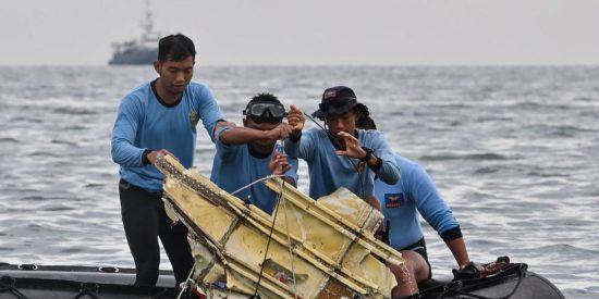Indonesia: un avión de Sriwijaya Air con 62 personas a bordo se estrella en el mar a los 4 minutos de despegar