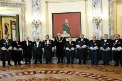 El Consejo General del Poder Judicial , debe ser elegido en sufragio universal por todos los españoles.