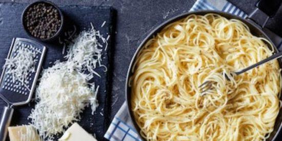 Espaguetis cacio e pepe receta original 👌