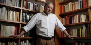 """Así le va a El País: algunos lectores se sienten """"agredidos"""" por Félix de Azúa tras llamar """"caótico y trapacero"""" al Gobierno"""