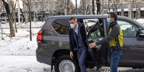 Pedro Sánchez requisó todoterrenos a la Guardia Civil en plena nevada para recorrer 5 km