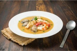 Receta: sopa de pescado, con gambas y almejas