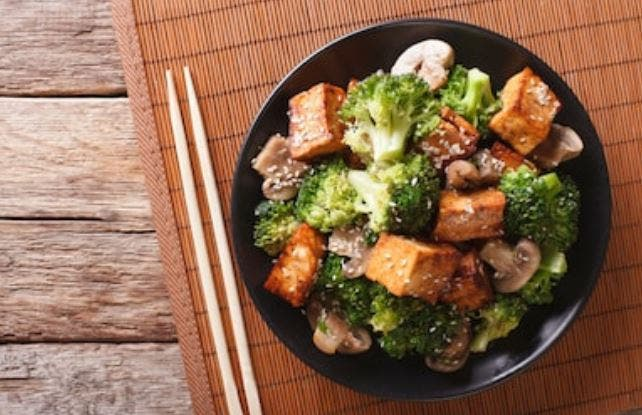 tofu a la plancha con salsa de soja