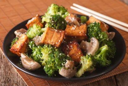 Tofu a la plancha con verduras