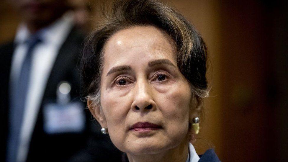 Birmania: La derrocada Aung San Suu Kyi se enfrenta a 3 años de cárcel por importar un walkie-talkie