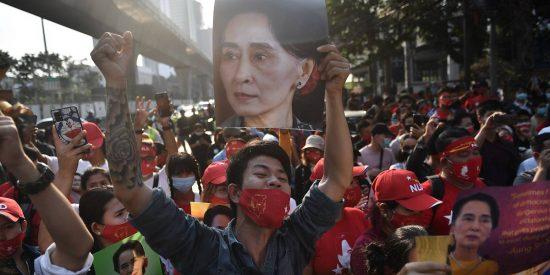 EEUU aumenta la presión contra los golpistas de Birmania tras su brutal represión a manifestantes