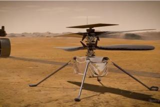 El helicóptero Ingenuity carga sus baterías en Marte
