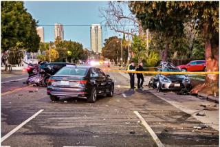 Un adolescente estrella un Lamborghini a 190 km/h contra una mujer