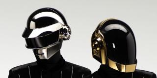 Cómo diseñaron los futuristas cascos robóticos de Daft Punk