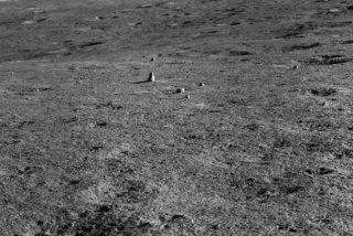 Los chinos descubren una extraña roca en el lado oculto de la Luna