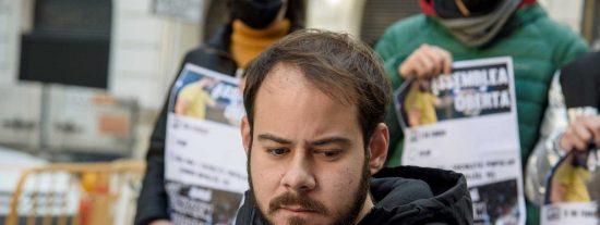 Pablo Hasel lleva siete meses en prisión y ya es una basura carcelaria del montón