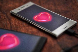 Frases de amor para enviar por Whatsapp o Telegram si ni te has acordado de comprar un regalo