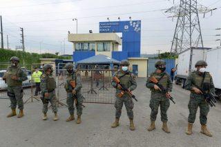 Carnicería en Ecuador: Son ya casi un centenar los reos muertos en los amotinamientos de tres cárceles