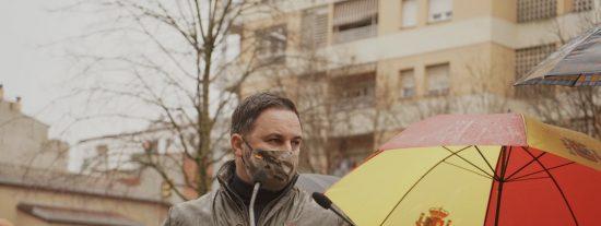 La Generalidad acusa a VOX de poner en peligro a los fascistas independentistas que les lanzan piedras