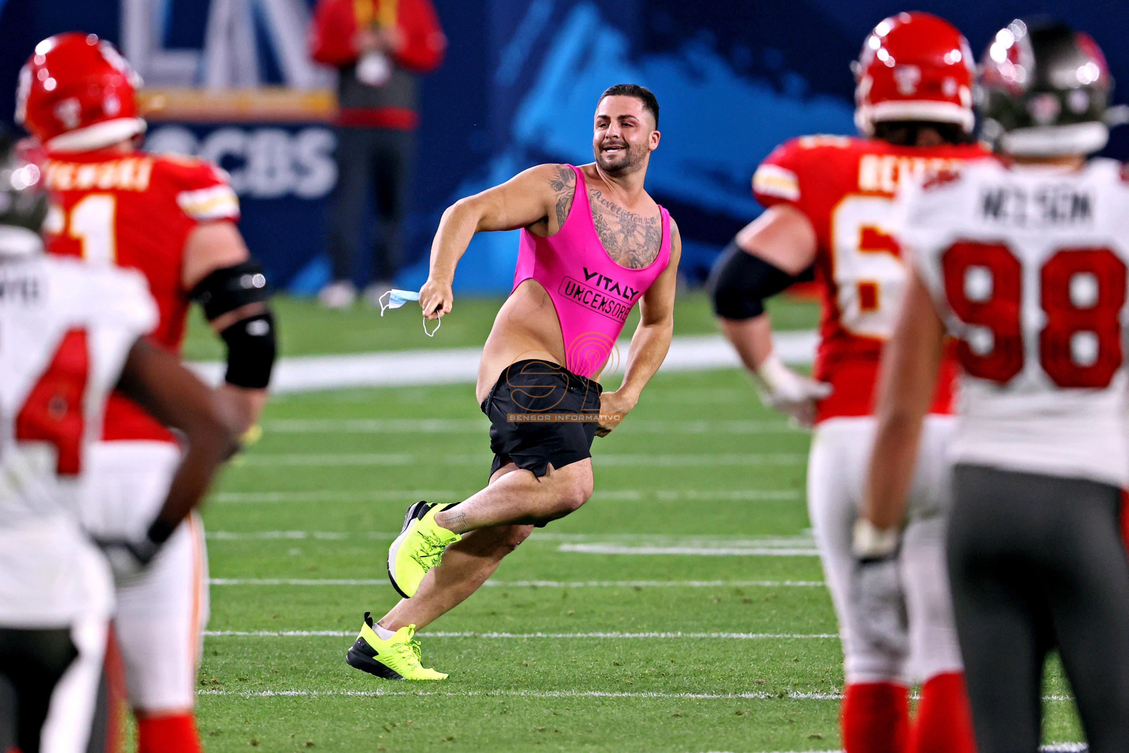 Este es Yuri Andrade, el listillo que ha ganado 300.000 por tirarse de espontáneo en la Super Bowl
