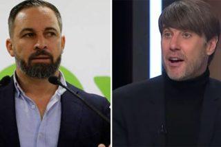 """Abascal salta contra el 'indepe' racista pagado por TVE que atacó a Garriga: """"¡Blanco idiota!"""""""