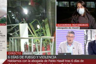 """Un inspector policial frena en seco a la inepta abogada de Pablo Hasel: """"No le permito que insulte a mis compañeros"""""""